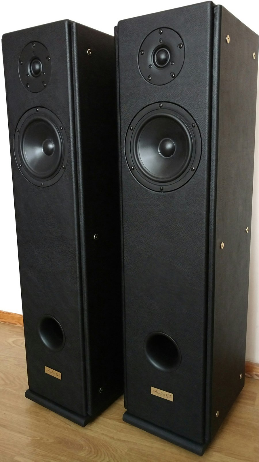 Audio Ge Sincerus 80 Loudspeakers Hifi Pig Speakers A Business With The Aim Of Producing That Could Faithfully Reproduce Quality Sound He Heard In Studio During His Childhood