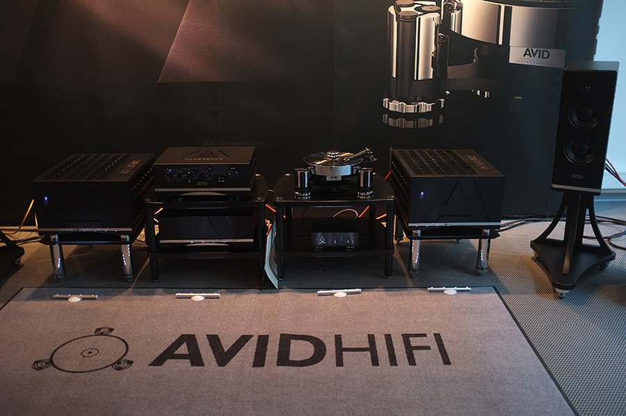 AVID_HIFI_HIFI_PIG_LOVES_YOU_2