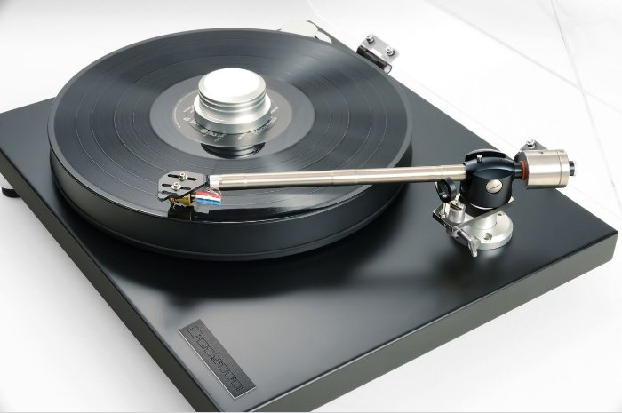 bryston_turntable_vinyl