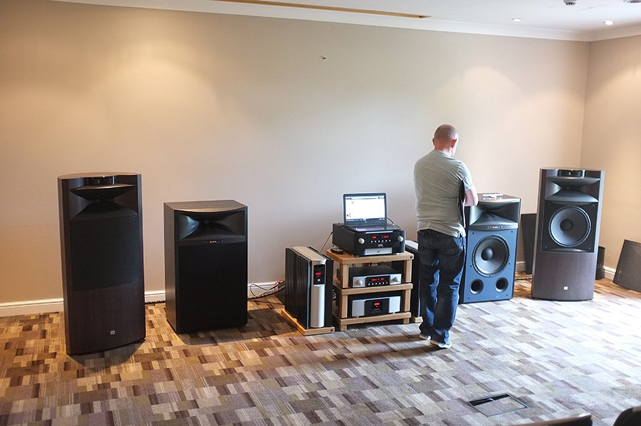 JBL_everest_north_west_audio_show_2016_2_small