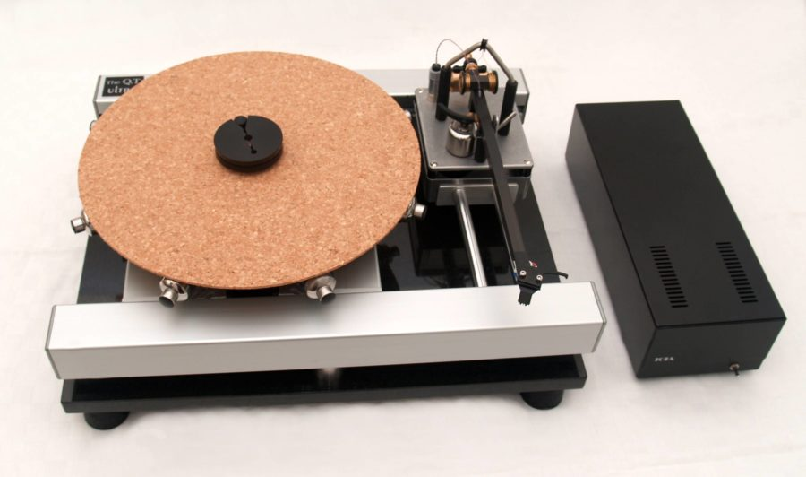 iota-audio-design-QT Ultra-SP turntable with satori tonearm
