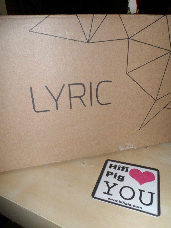 Cyrus_Lyric_unboxing_1