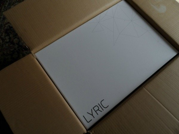 Cyrus_Lyric_unboxing_2