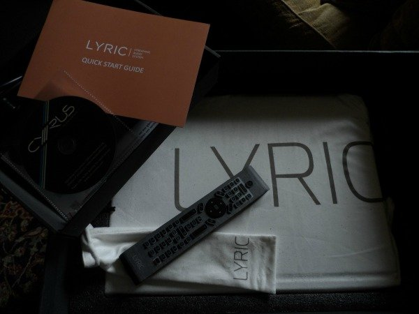 Cyrus_Lyric_unboxing_5