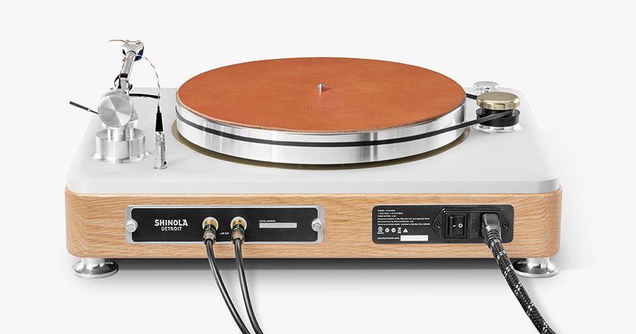 shinola_runwell_turntable_3ol