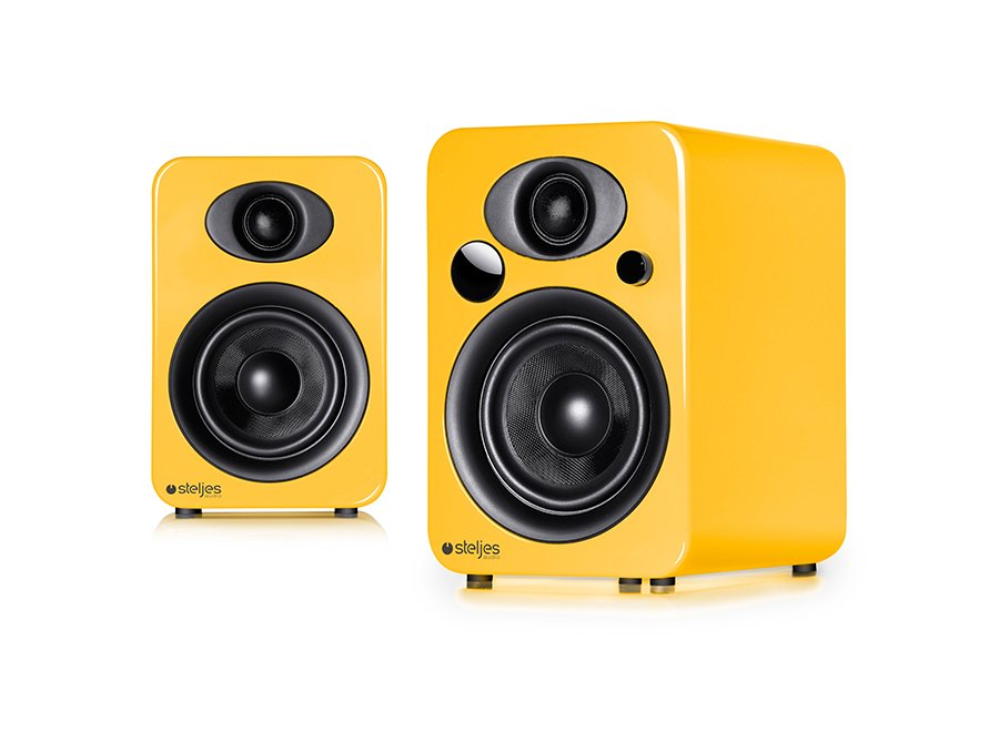 ns3-solar-yellow-pair_ol