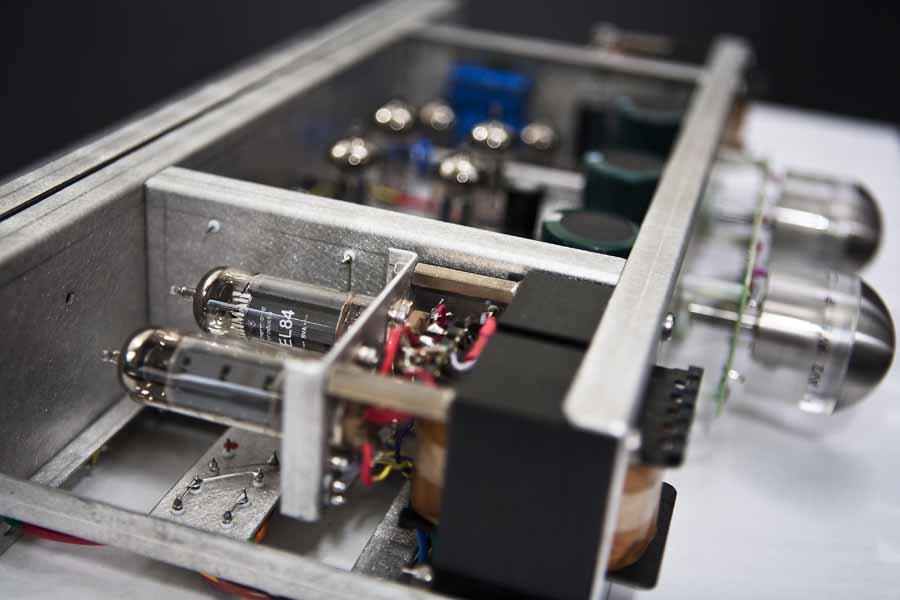 Eva Minuet' Integrated Valve Amplifier   Hifi Pig   Hifi Pig