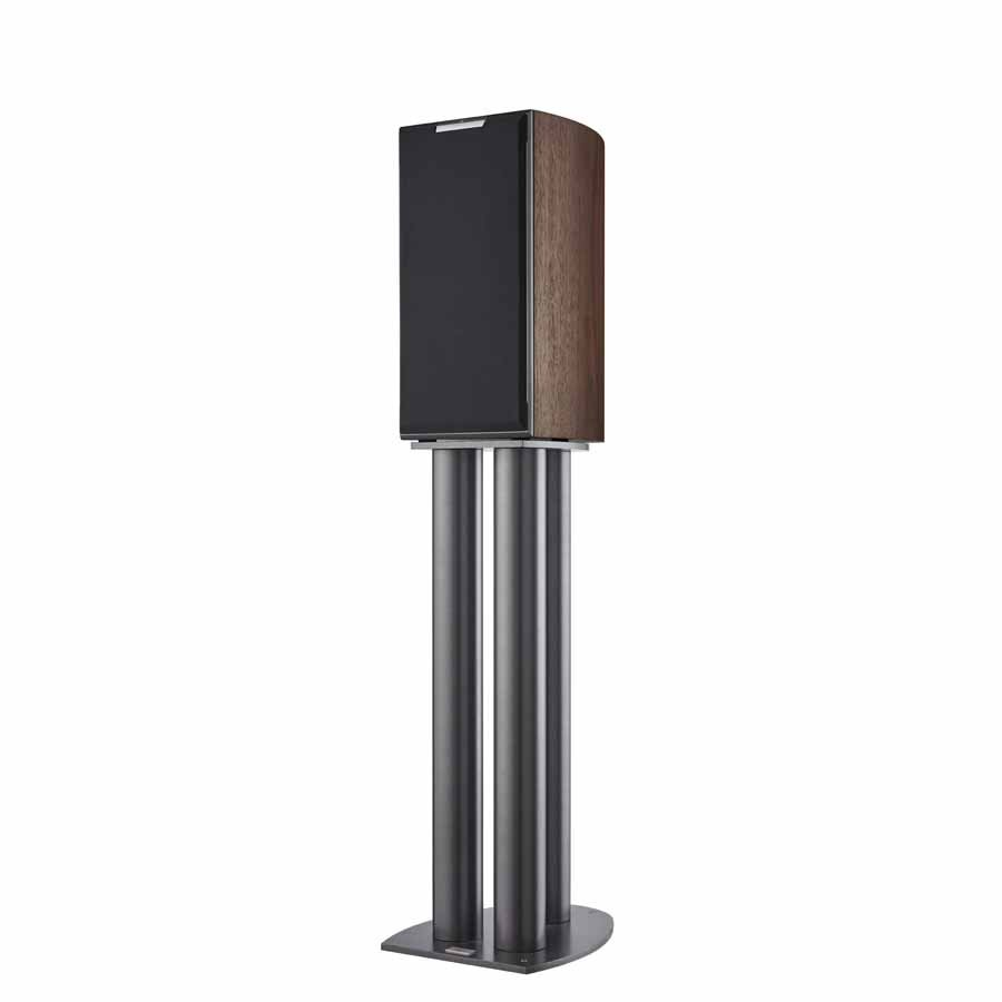 Audiovector R1 loudspeaker with cover