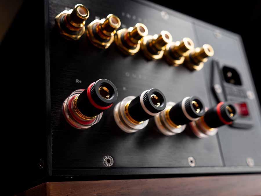 Clones Audio integrated amp
