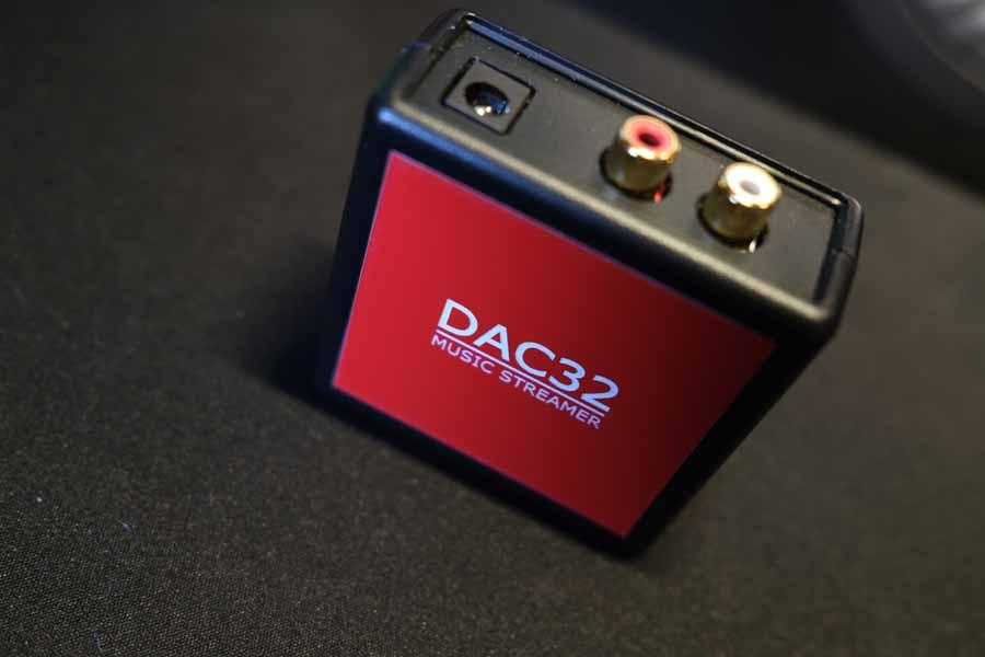 DAC 32 Top