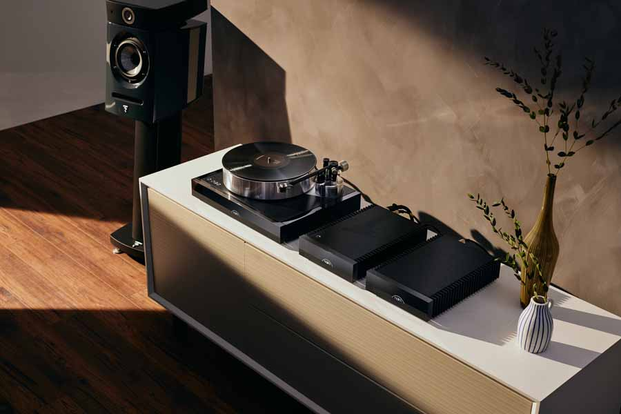 Naim Solstice Special Edition Turntable And Naim Aro Tonearm